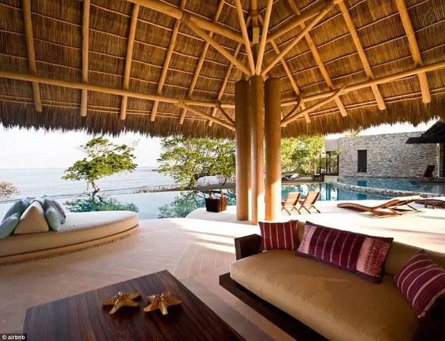 305A3FF300000578-3407345-Mexican_getaway_The_luxurious_six_bedroom_seven_bath_villa_where-m-51_1453244507458